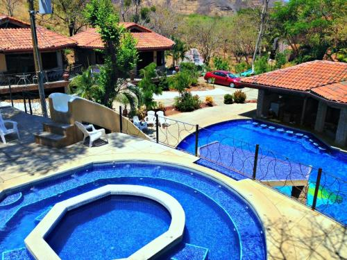 A view of the pool at Villa Hermosa Heights or nearby