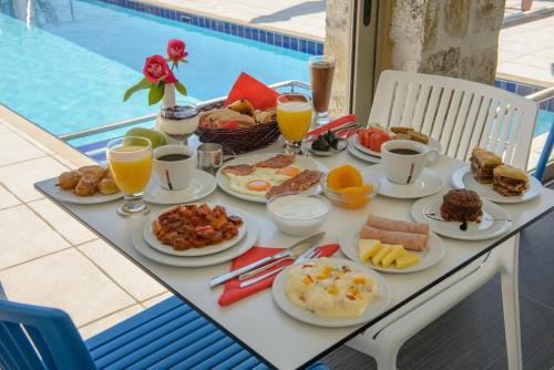Breakfast options available to guests at Lenikos Resort