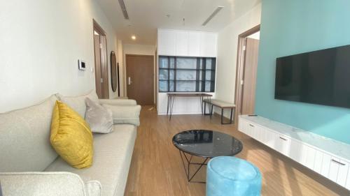 HANOI LUXURY 2 BEDROOM BRANDNEW IN SKYLAKE