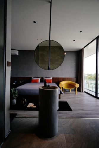 Sun Hill Villa - Choice of King