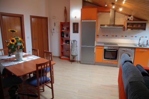 Una cocina o zona de cocina en Apartamento Los Mesones