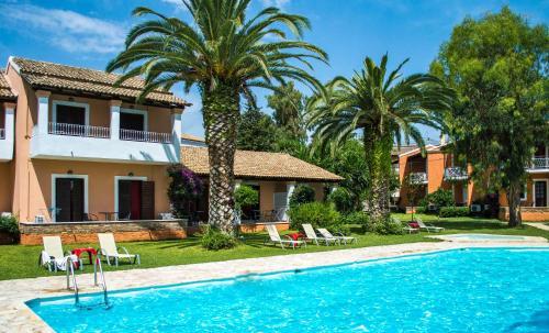 Piscine de l'établissement Folies Corfu Town Hotel Apartments ou située à proximité