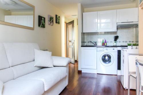 A kitchen or kitchenette at Appartements Villa Les Palmes