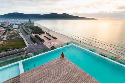 A La Carte Da Nang Beach