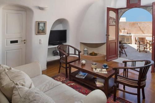 A seating area at Villa Amalia