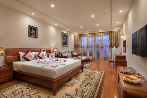 Khách sạn Silk Queen Hàng Gai