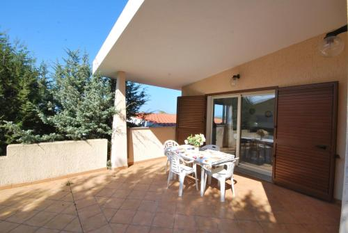 A balcony or terrace at Residence Rena Majore