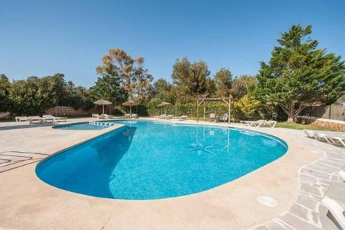 The swimming pool at or close to Serena Sol