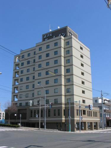 O edifício em que o hotel hipereconômico se localiza