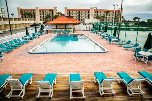 The swimming pool at or near Ocean Landings Resort
