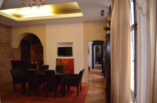A restaurant or other place to eat at Citadella Residence Vienna