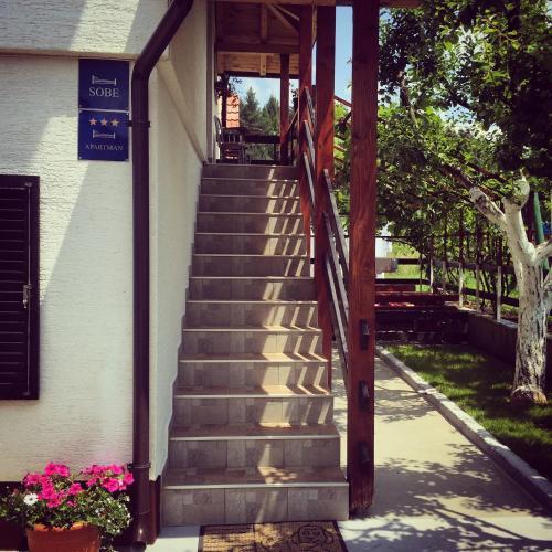 House Leonarda