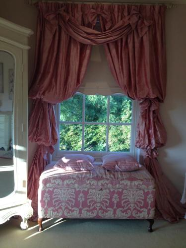 A bed or beds in a room at Westbrook Country House