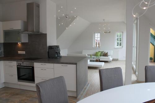 A kitchen or kitchenette at Villa Campana Millstatt