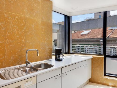 Cuina o zona de cuina de Hello Lisbon Marques de Pombal Apartments