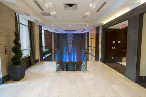 The lobby or reception area at Maplewood Suites - Square One