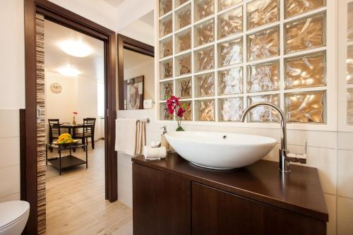 A bathroom at Apartments Villa Bianca