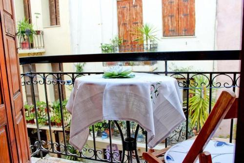 A balcony or terrace at Smaragdi