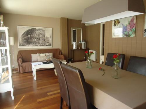 A seating area at Sitges Apartment For Rent II