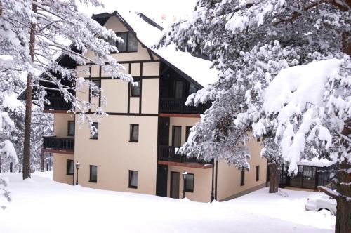 Vila Pina during the winter
