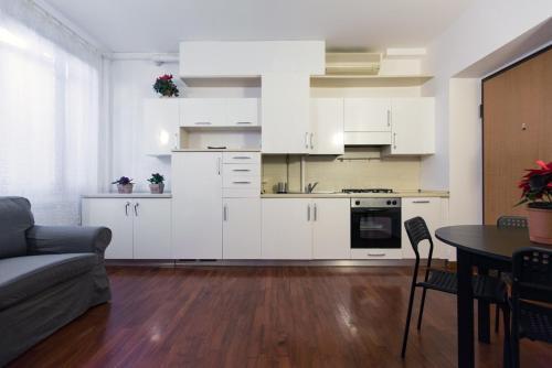 A kitchen or kitchenette at Panfilo Castaldi 37