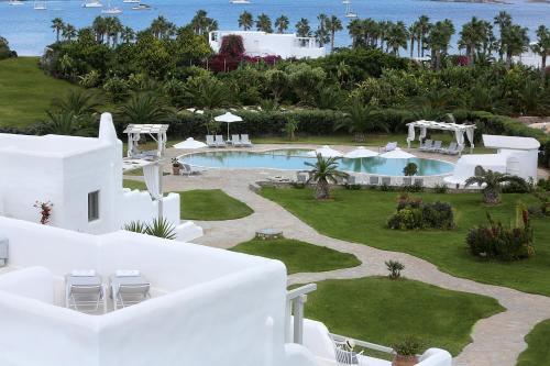 Θέα της πισίνας από το Angels Villas ή από εκεί κοντά