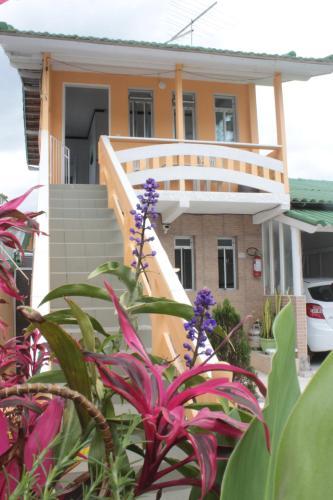 A balcony or terrace at Pousada Carpinteiro Naval