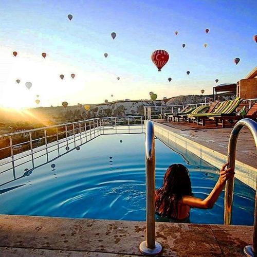 A piscina localizada em Doors Of Cappadocia Hotel (Adult Only) ou nos arredores