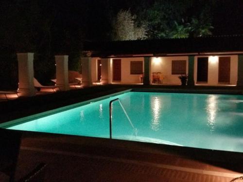 The swimming pool at or near Villa La Abadesa