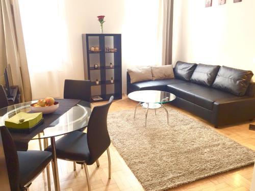 אזור ישיבה ב-Gozsdu Apartment