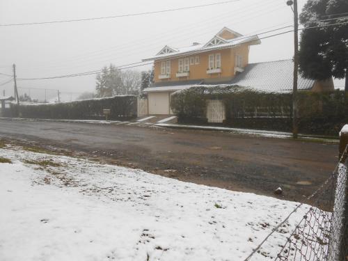 Casa Ampla na Serra Gaucha (Canela) during the winter