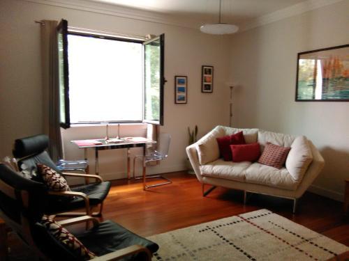 A seating area at Apartment Arriaga