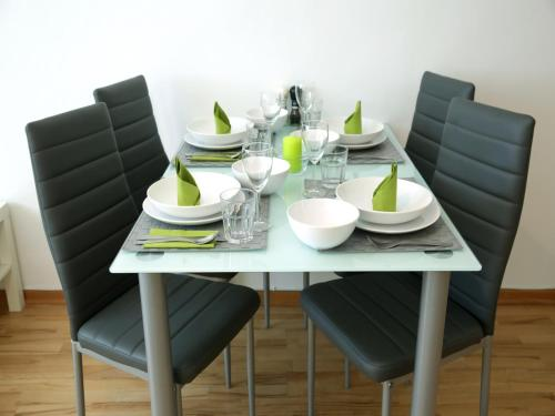 A restaurant or other place to eat at Flatprovider Classy Martin Apartment