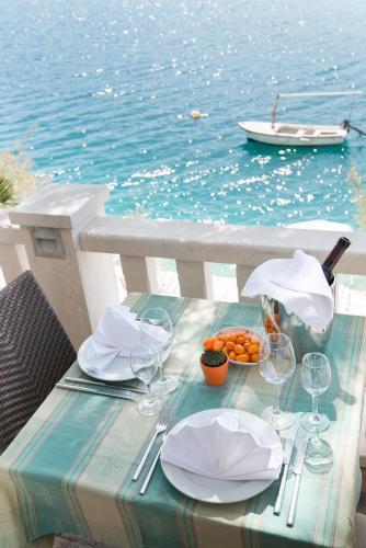 Restoran ili neka druga zalogajnica u objektu Hotel Villa Nova