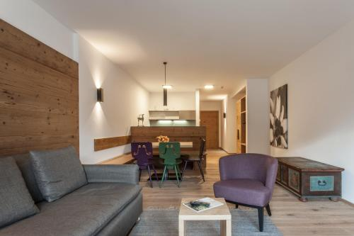 A seating area at Hubertus Logis Apartments