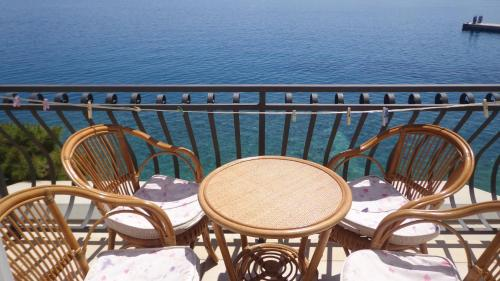 A balcony or terrace at Apartments Santo