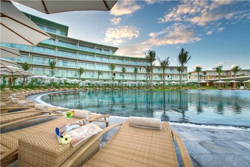 FLC Luxury Hotel Samson