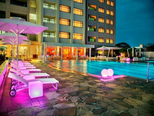 The swimming pool at or near Hilton Colombo Residence