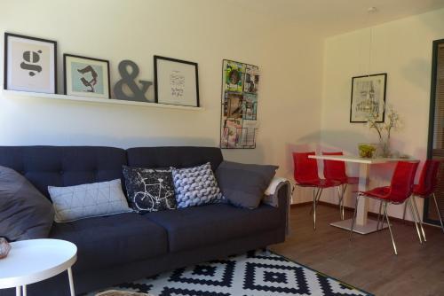 A seating area at Amelander Kaap 101