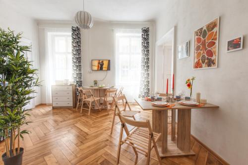 Εστιατόριο ή άλλο μέρος για φαγητό στο Modern Apartment Zitna