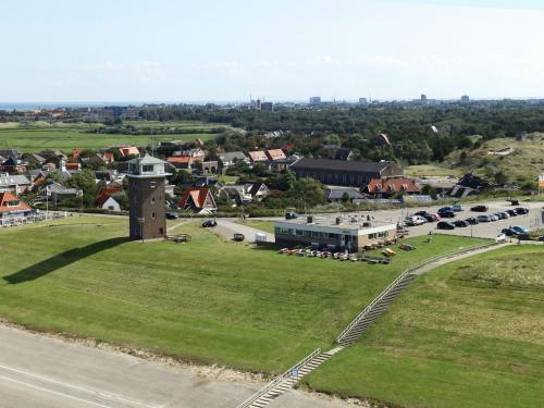 A bird's-eye view of Vintage Holiday Home in Huisduinen Coast Guard, Beach Nearby