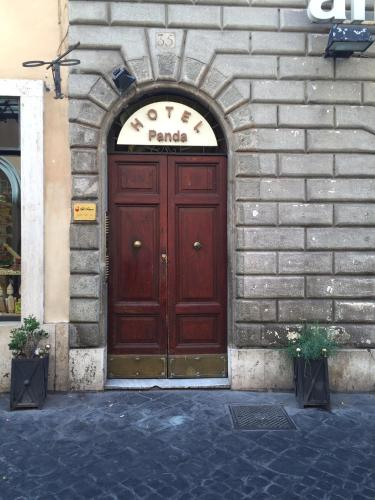 Fachada o entrada de Hotel Panda