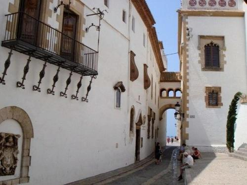 The facade or entrance of Sunny Apartment Central Sitges