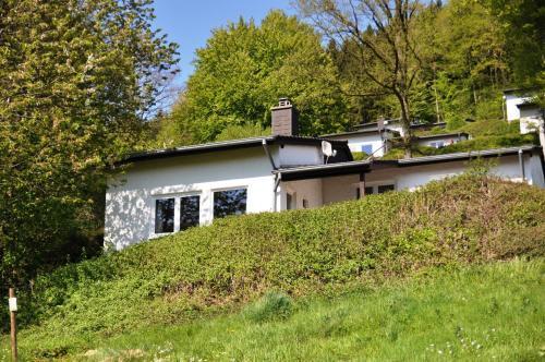 A garden outside Eifel Landhaus Seeblick