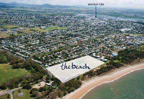 A bird's-eye view of Petrie Beach Holiday Home
