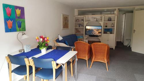 The lounge or bar area at Appartement in Zandvoort