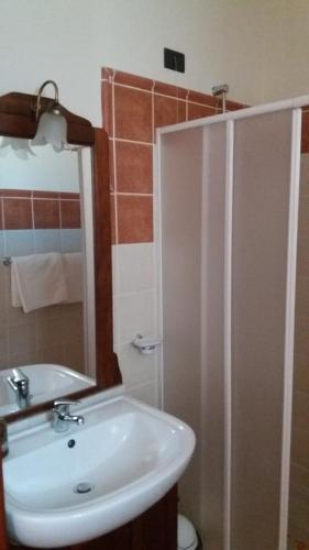 Een badkamer bij Porto Antigo Holidays