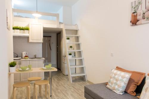 Гостиная зона в Izmaylov Apartments