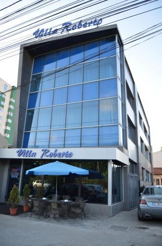 Fasadas ar įėjimas į apgyvendinimo įstaigą Villa Roberto