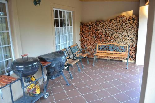 A seating area at Mahanaim Cottage